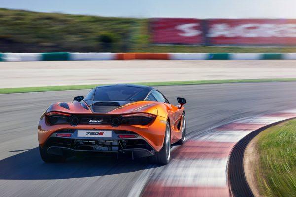 McLaren-720S-2018-1600-30