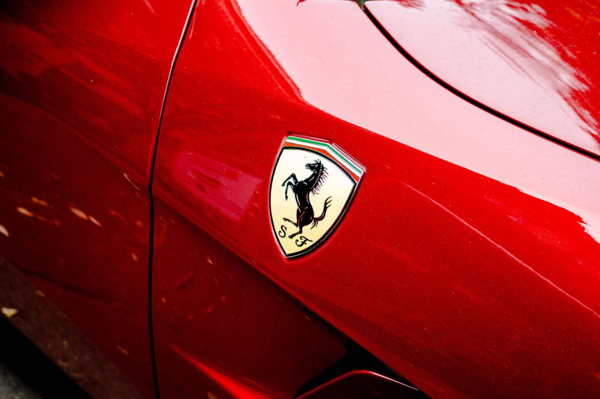Cuánto cuesta alquilar un Ferrari